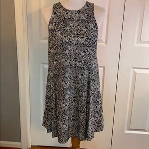 Old Navy black and white dress, size M